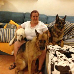 Salvi con sus perros guia